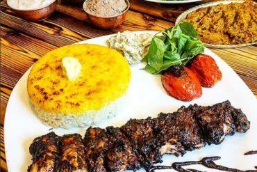 جوجه کباب مخصوص در بهترین رستوران غذای گیلانی تهران